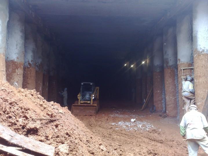 Túnel sob eixo o Rodoviário